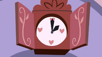 Rarity's clock strikes 2 S2E5
