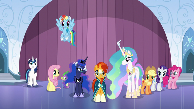 File:Sunburst sees the broken Crystal Heart S6E2.png