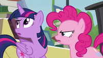 "Twilight ""trying to get rid of all the books"" S4E22"