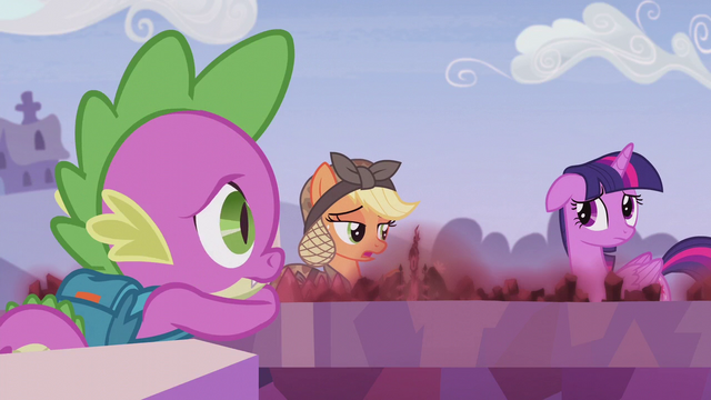 "File:Applejack ""I hope all this helped"" S5E25.png"