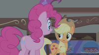 Applejack notices Apple Bloom is gone S1S09