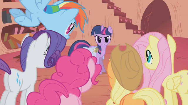 "File:Twilight ""meet back here in less than an hour"" S1E07.png"