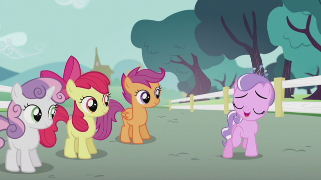 File:Diamond Tiara thanking the CMC S5E18.png