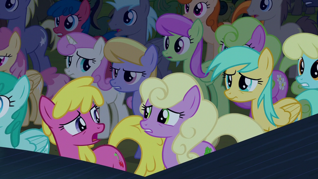File:Audience ponies in mild confusion S5E24.png