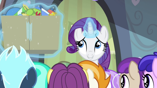 File:Rarity levitating box of party favors S4E19.png