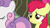 Apple Bloom watches Sweetie and Scootaloo leave S5E4