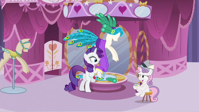 File:Rarity notice Sweetie Belle S2E23.png