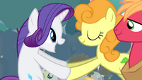 Rarity shaking Golden Harvest's hooves S4E13