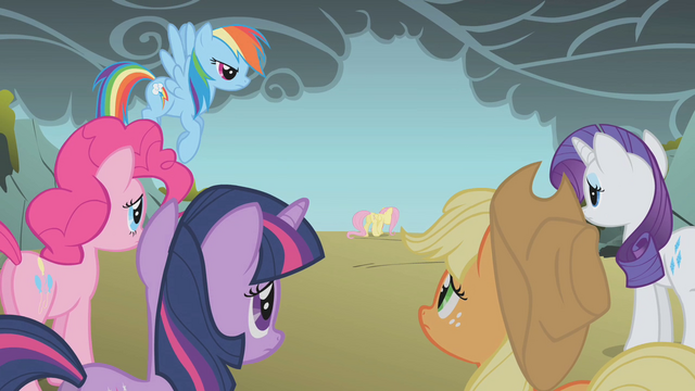 File:Fluttershy walking away S1E07.png