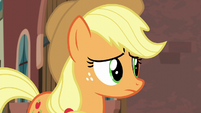 Applejack listening to Rarity S5E16