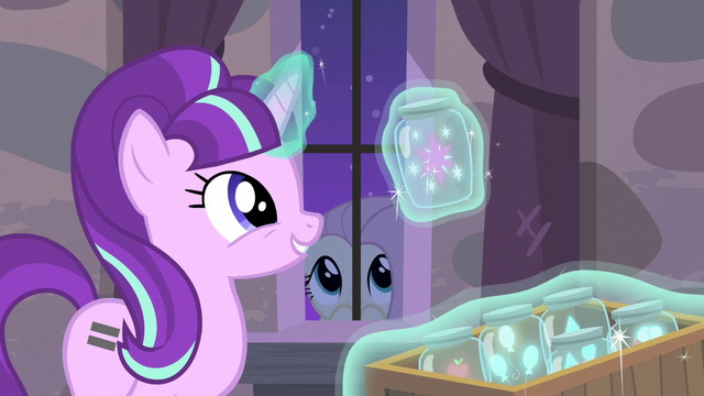 File:Starlight levitating container containing Twilight's cutie mark S5E02.png
