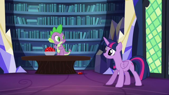 "File:Twilight ""come on, Spike!"" S5E22.png"
