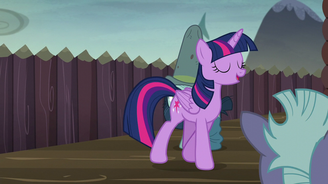 File:Twilight feeling proud of herself S5E23.png