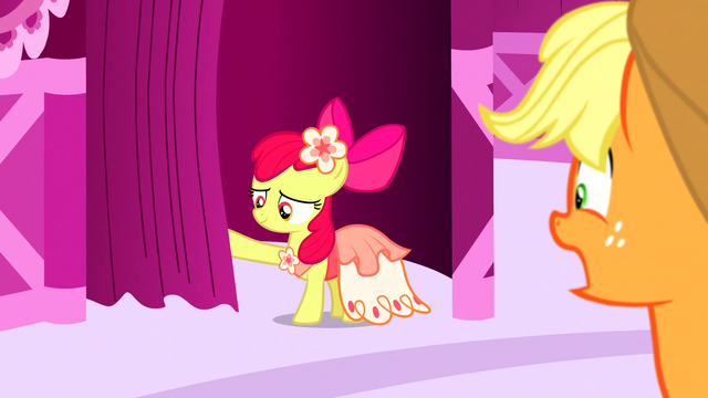 File:Apple Bloom pushes the curtain open S5E7.png
