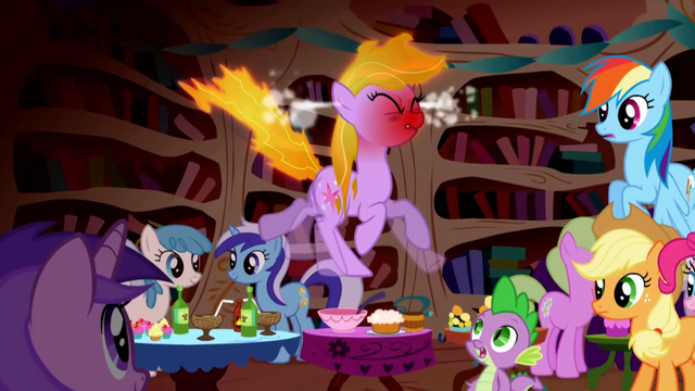 File:Twilight hot2 S01E01.png