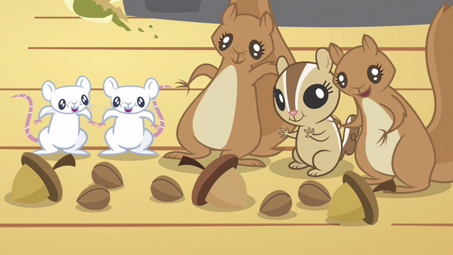 File:Animals get crunchy acorns S3E13.png