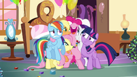 Pinkie Pie hugging all of her friends S4E18
