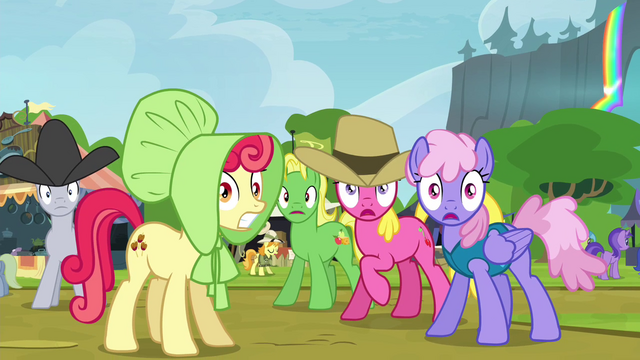 File:Crowd of ponies hears bear roar S4E22.png