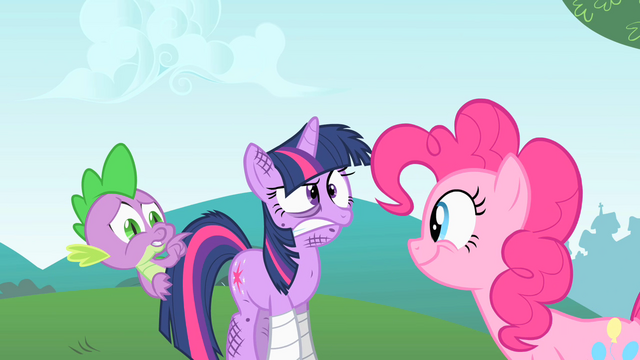 File:Twilight wincing and gritting her teeth S1E15.png