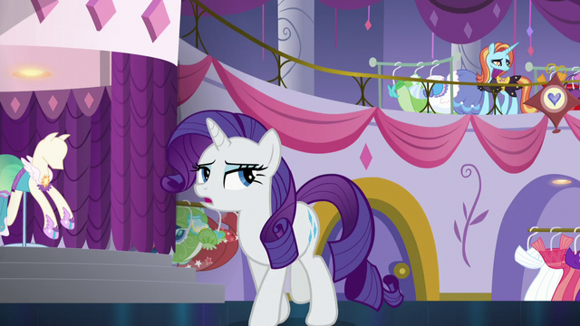 "File:Rarity ""isn't rushing to open the door this time"" S5E14.png"