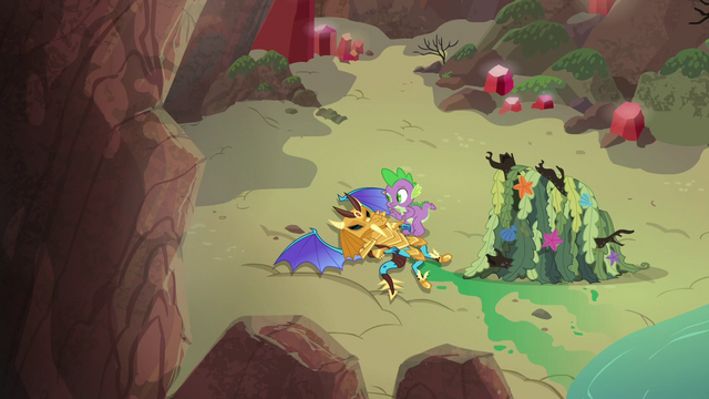 File:Spike and armored dragon on the beach S6E5.png
