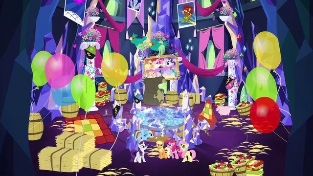 File:Main 5's decorations complete S5E3.png