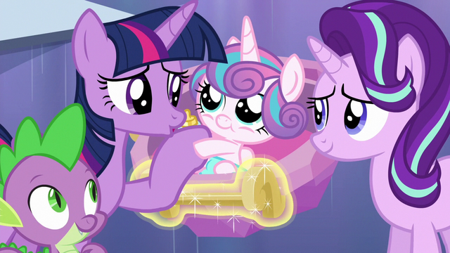 File:Twilight Sparkle reunites with Flurry Heart S6E16.png