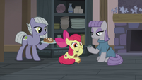 Apple Bloom eating sweet buns S5E20