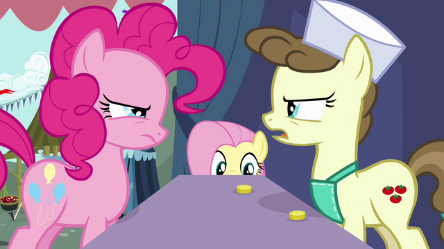 File:Pinkie Pie using her skills to trick the vendor S2E19.png