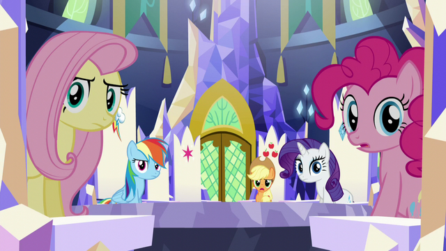 File:Twilight's friends speechless S5E22.png