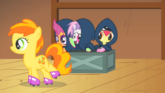 "File:Sweetie Belle tells Peachy Pie ""break a leg!"" S1E18.png"