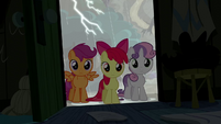 Cutie Mark Crusaders enter the cabin S5E6