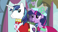 Twilight talking to Shining Armor 2 S2E26