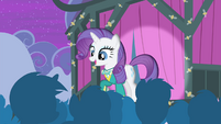 Rarity speaking to the audience S4E14