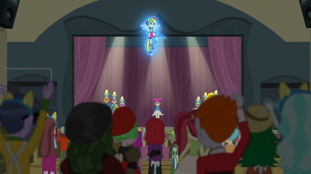 File:CHS students cheer for Rainbow Dash EG3.png