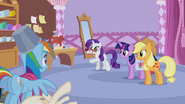 File:Rarity pointing at Rainbow Dash S1E14.png