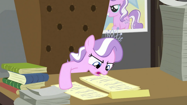 File:Diamond Tiara reading second paper S2E23.png