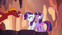 Garble approaching Twilight and Rarity S6E5
