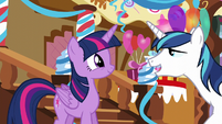 Shining Armor backing away from Twilight S5E19