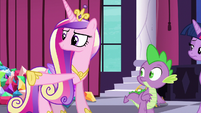 Cadance pointing at the crowd of delegates S5E10