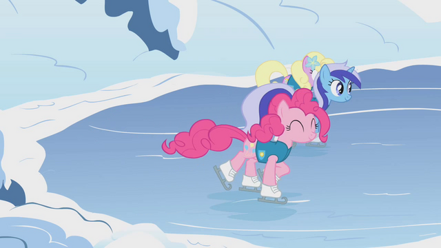 File:Pinkie Pie Lake Cubes Start S1E11.png