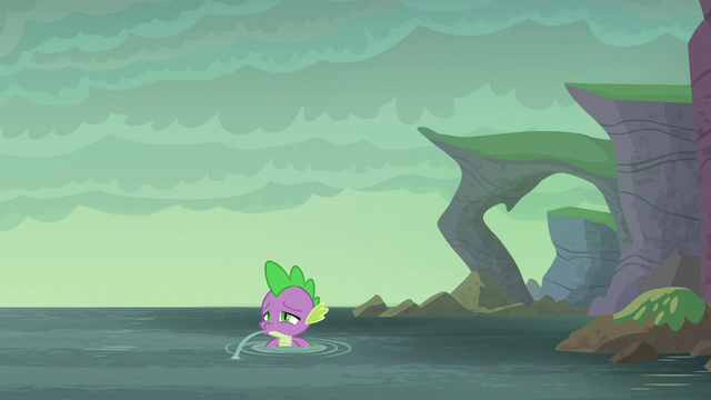 File:Spike spitting out water S6E5.png