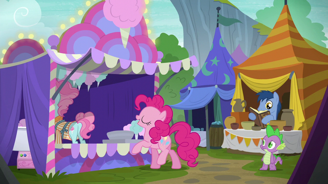 "File:Pinkie Pie ""just a little bit bigger please"" S6E7.png"