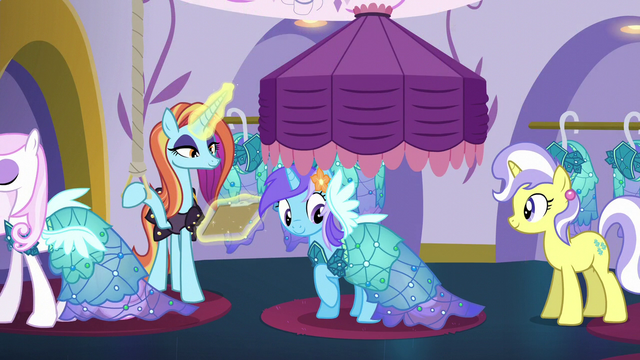 File:Diamond Mint wearing a Princess Dress S5E14.png