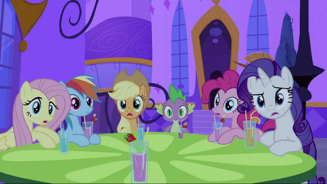 File:Twilight's friends surprised S2E25.png
