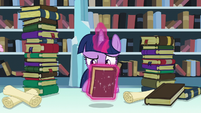 Twilight levitates Mystic Maps and Mazes S6E2