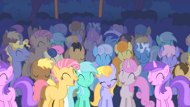 File:Pony crowd laughs at CMC S01E18.png