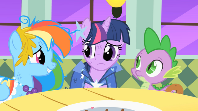 File:Twilight worries that Princess Celestia is upset S01E26.png