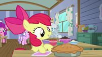 Apple Bloom with forks S6E4
