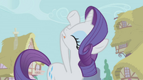 "Rarity ""whatever shall we do?"" S1E04"